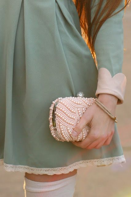 I love this clutch <3