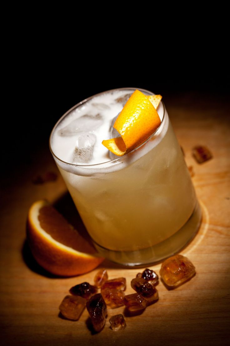 Classic Cocktail Recipe: Traditional Whiskey Sour - 12 Tomatoes
