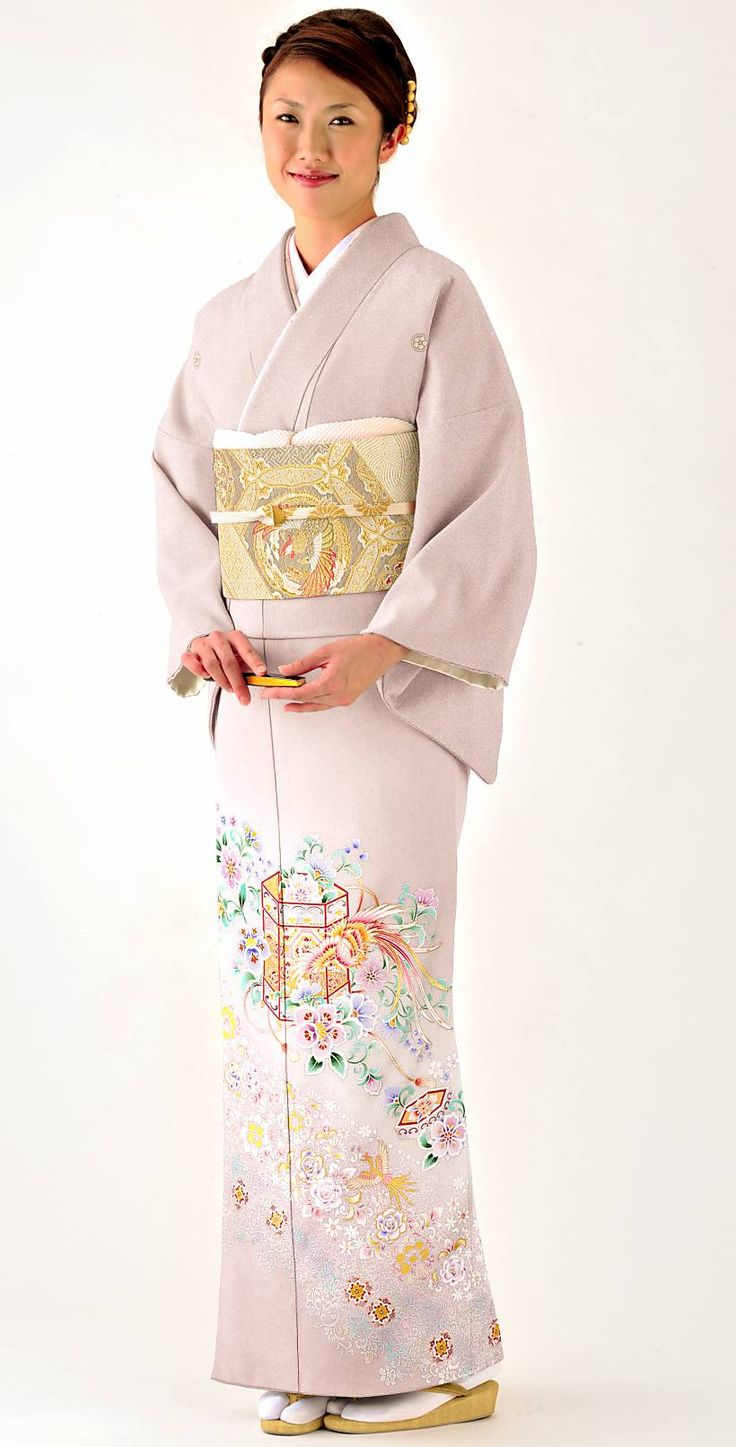 灰紫と貝桶に鳳凰のゴージャスな色留袖。結婚式にぴったりの色振袖まとめ。ウェディング・ブライダルの参考に