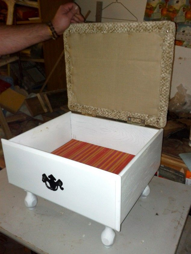 And legs to an old drawer, hinged lid with a padded top, and you have an ottoman/footstool with storage. 15 DIY Ideas How to ... pinned with Pinvolve - pinvolve.co