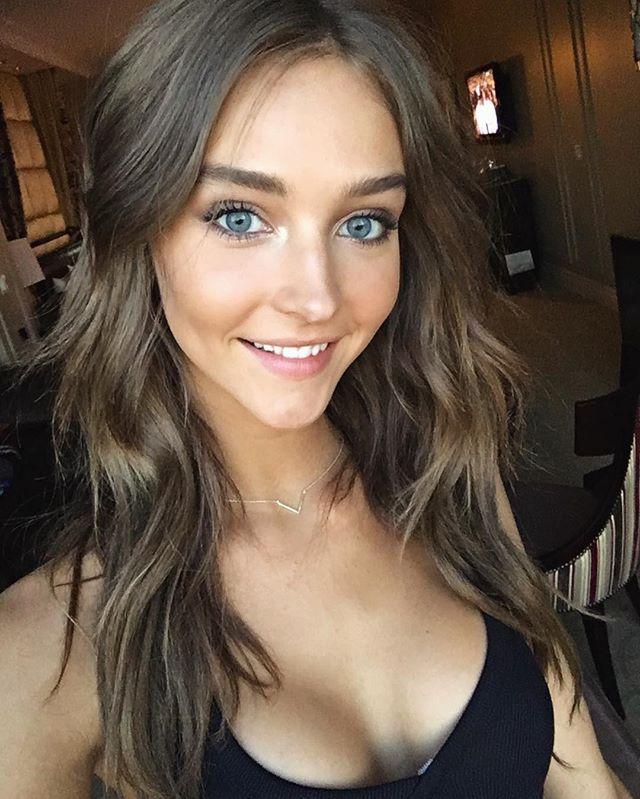 Best petite cleavage