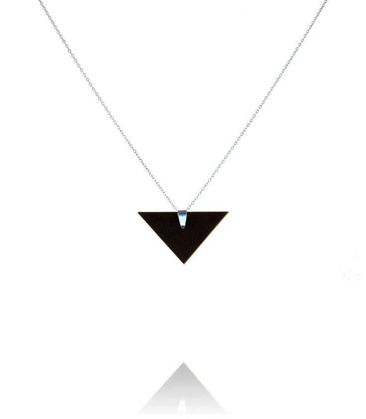Short necklace with a triangular pendant  #DiLeonora #jewellery #jewelry #black #simplyblack #necklace #silver