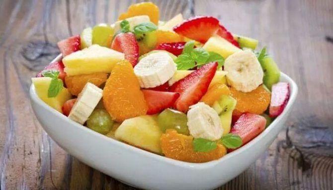Máme pre vás ďalší osviežujúci recept na chutný ovocný šalát počas teplých letných dní. :)