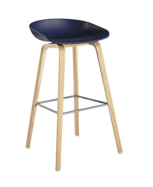 Wysokie krzesło About A Stool | Designzoo