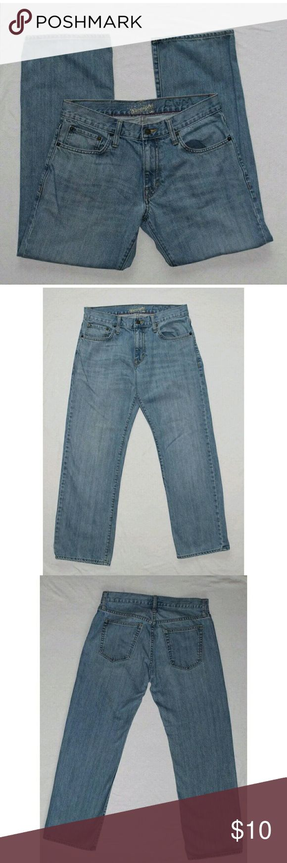 """Old Navy Straight Leg Jeans Mens Old Navy Straight Leg Jeans Good overall condition Some wear on hems as shown in pictures #1 and #3 Permanent marker on inside of back waistband as shown in pictures #5 and #7 Size 30x30 (Measured at 30x29)  Measurements are approximate and were taken with garment laying flat  Waist: 15"""" Hips: 20 1/2"""" Inseam: 29"""" Outseam: 36 1/2"""" Front Rise: 9 1/2"""" Back Rise: 14"""" Leg Opening: 8 1/2""""   Item is used. Thank you for shopping my closet!     (181) Old Navy Jeans…"""