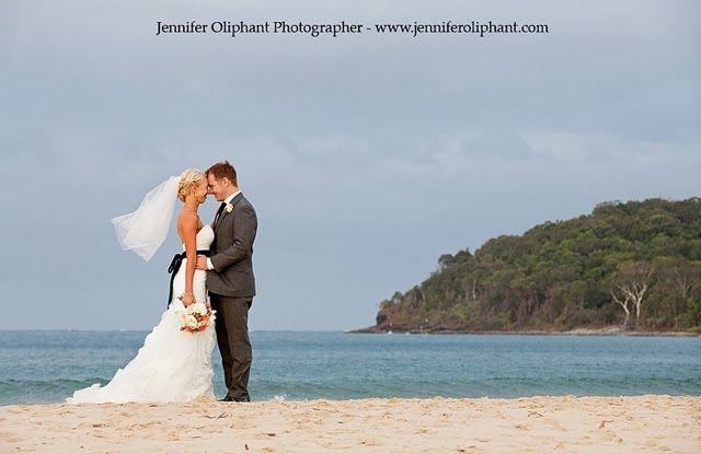Sam and Shannan, Noosa weddings, Jennifer Oliphant photography, noosa, wedding cakes, Couple, beach wedding
