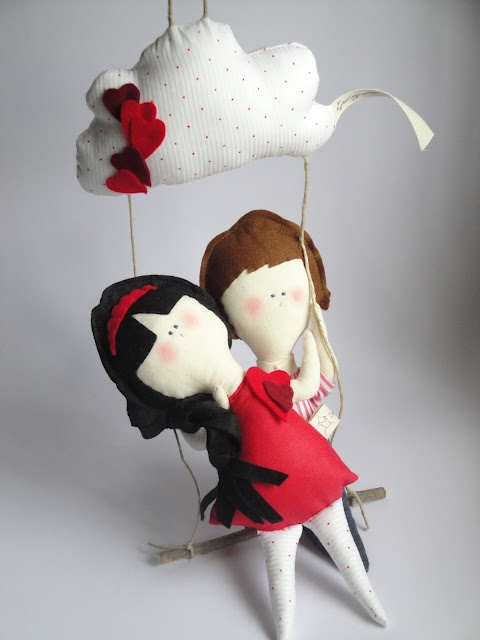 Dolls in Love The dolls on this website are so cute.