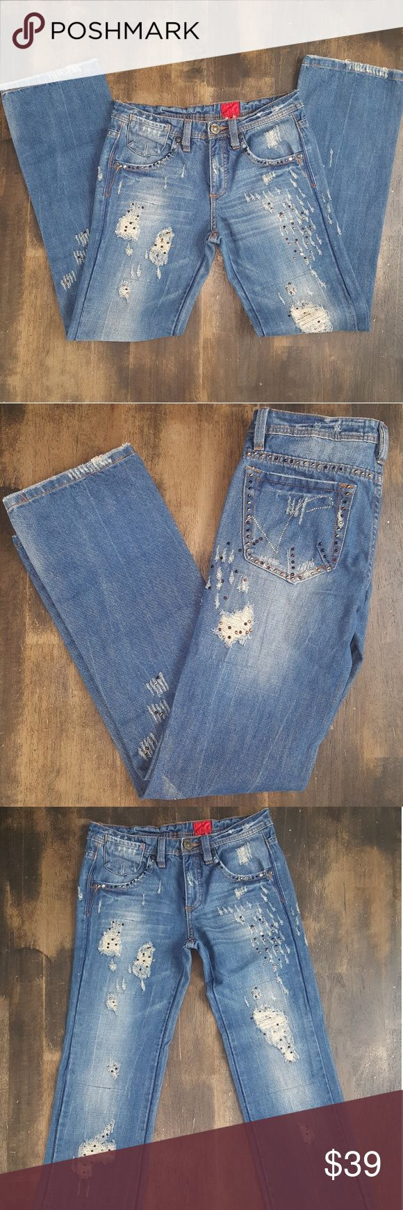 V Cristina Jeans Size 2 V Cristina Jeans, these jeans were barely worn, if at all!  Size 2, 100% cotton  Factory Distressed, missing 2 embellishment on front pockets v cristina Jeans