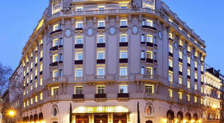 泊ってみたいホテル・HOTEL|スペイン>バルセロナ>1919年創業のホテルはネオクラシカルな外観で、クラシックな内装のスタイリッシュな客室>ホテル パレス GL(Hotel Palace GL)