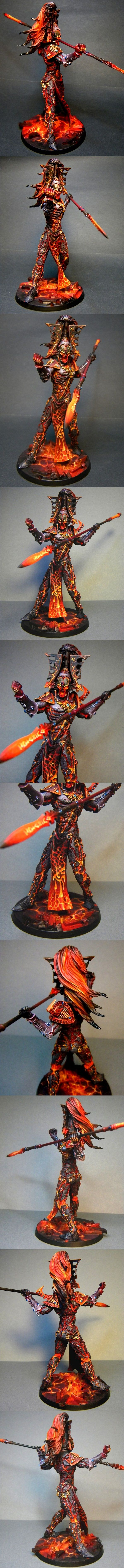 Warhammer 40k Eldar Avatar -The War God of the Eldar. This is an especially good example of a painted Forgeworld Model of the Avatar