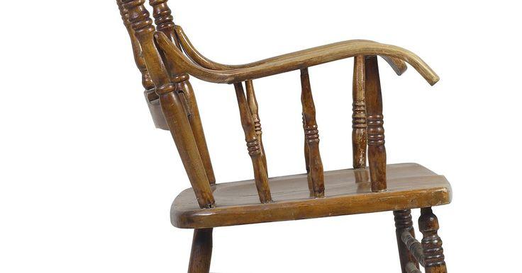 Em que ângulo cortar os pés de uma cadeira de balanço. Poucas experiências são tão relaxantes quanto se sentar em uma cadeira de balanço em uma varanda ensolarada. Se quiser uma cadeira de balanço para sua casa e tiver alguma habilidade para trabalhar com madeira, faça uma cadeira seguindo seu próprio gosto e estilo. Tenha em mente que cadeiras de balanço requerem diferentes considerações sobre design ...