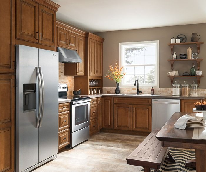Pin By Callie Shea On For My Mom In 2021 Kitchen Cabinets Kitchen Cabinet Trends Glazed Kitchen Cabinets