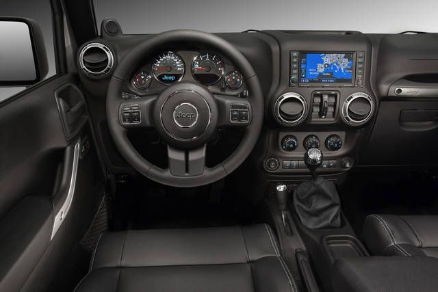 New interior of the Jeep Wrangler Unlimited with 2.8L CRD engine