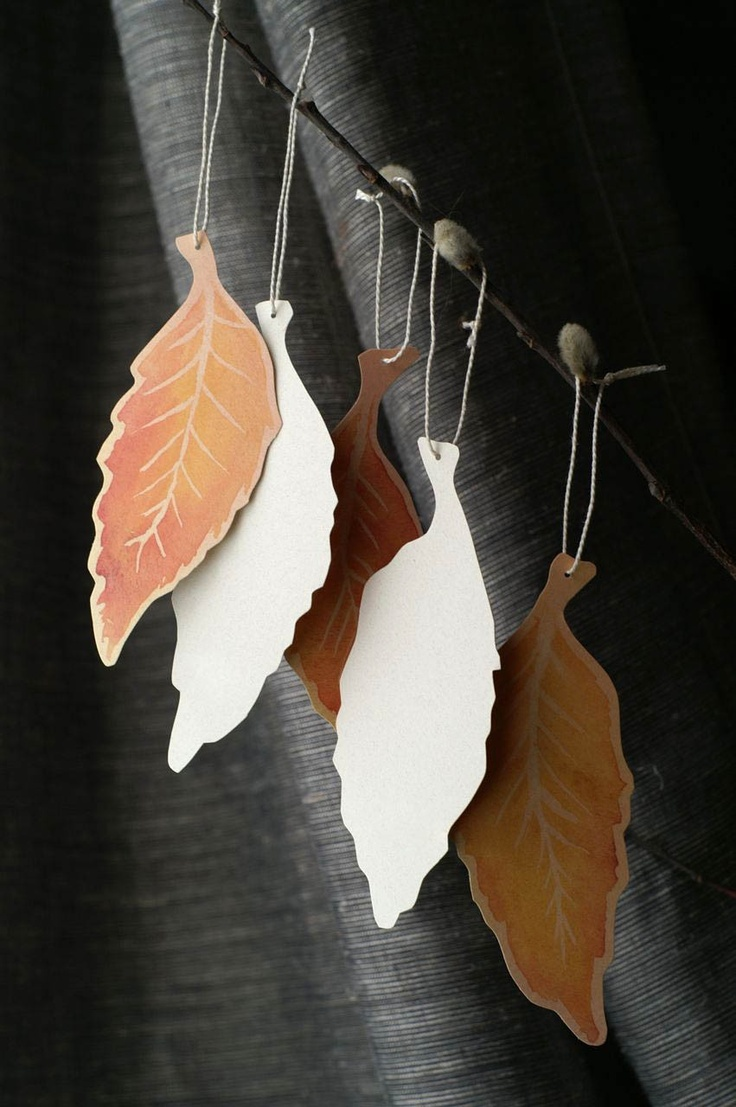These leaf tags could work well as ornaments or decorate place cards.