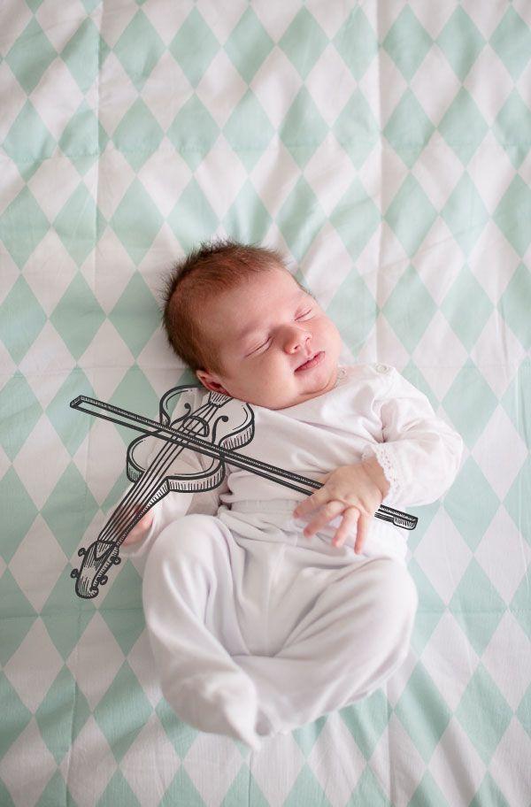 Diferente dos ensaios de crianças, que sobram opções de fotos, os de bebês e recém-nascidos nem sempre são fáceis de se ter diferentesopções de cliques. P