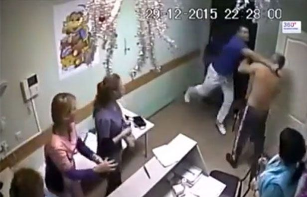 Un médico ruso mata de un puñetazo a un paciente | Radio Panamericana