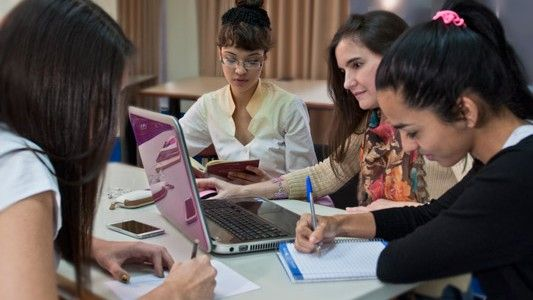 MAESTROS Y MAESTRAS EFICIENTES: Propuesta de temas de investigación educativa para estudiantes.