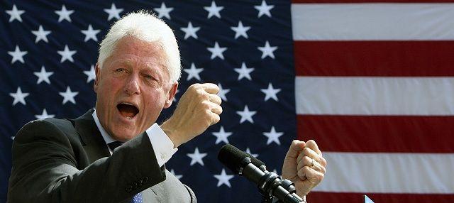 Na snímke exprezident Bill Clinton