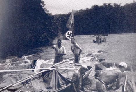 Une autre expédition est plus inconnue.En 1935-37,trois spécialistes SS de la race séjournent a la frontière Brasil-Guyana française. Ils cherchent le 'Lebensraum',le espace de peuplement pour les allemands.