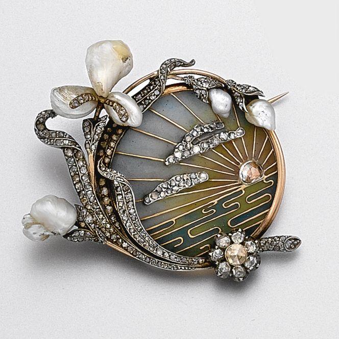 Art Nouveau plique-à-jour enamel, diamond and pearl brooch, circa 1900.