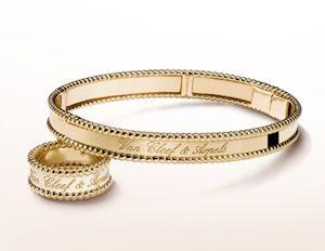 bagian tubuh seperti tangan juga bisa memiliki nilai plus tersendiri karena bagian tersebut memang lah sering digunakan untuk perhiasan cincin dan gelang.