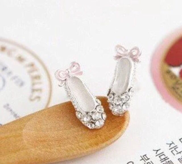 Silver Tone Crystal Ballet Shoe Earrings #silver #crystals #shoes #ballet #ballerina #crystals #stud #earrings #xmas #christmas #present #jewellery #women #fashion #ladies http://m.ebay.co.uk/itm/Free-Gift-Bag-Silver-Tone-Crystal-Ballet-Shoe-Earrings-Ballerina-Jewellery-Xmas-/282090511948?nav=SELLING_ACTIVE