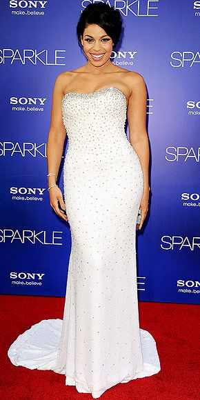 The Sparkle star gets her moment in the spotlight, wearing a custom Chagoury Couture gown (covered in more than 600 Swarovski crystals!) for the film's: Red Carpet, Sparks Photo, Jordinsparks