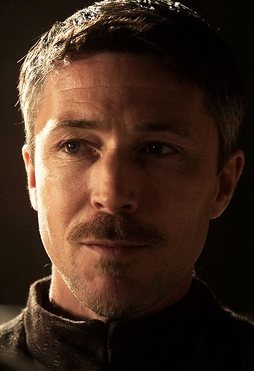 That hint of a smile ... Petyr Baelish by deisegal.