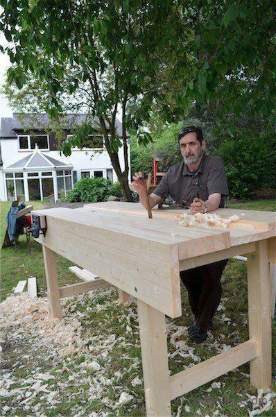 DIY Woodworking Ideas Don't buy, build! Here's a collection of free DIY workbench plans for your woodworking hobby. If you need some ideas to build the bench, look nowhere else. #woodworkingtable