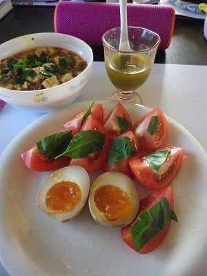 29.06.04 トマトのカプレーゼサラダ - 出稼ぎ親父の食べ物日記 | クックパッドブログ