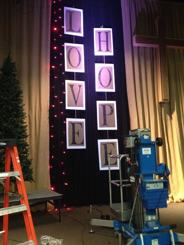 Best 25 christmas stage design ideas on pinterest for Backdrop decoration for church