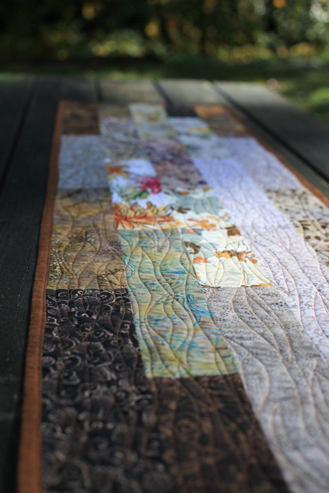 quilted table runner - Woodlands                                                                                                                                                     Mehr