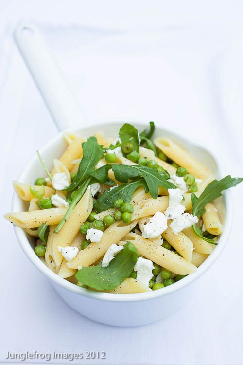 Pasta with lemon and peas - super simple and refreshing! Might try with feta instead of goat cheese
