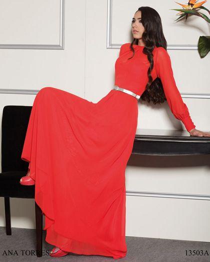 Vestido rojo con manga larga de Ana Torres