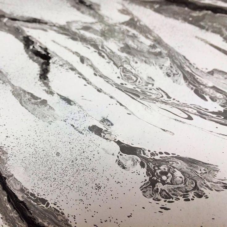 Светло серый художественный камень выполненный в стилистике каррарского мрамора.  #art #countertop #decorating #home #homedecor #homedesign #homeinteriors #houseidea #inspiration #instadesign #instahome #interior #interiordecor #interiordesign #interiorinspiration #interiors #interiorstyling #marble #декор #дизайн #столешница #искусственныйкамень #мрамор #камень #интерьер #интерьеры #искусство #ремонт #lapietra #lapietrastudio by lapietra.studio http://discoverdmci.com