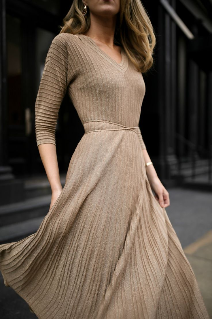 Metallic gold knit ribbed midi dress, red suede pumps, diamond bezel necklace and gold tribar cuff {Nic and Zoe, AUrate New York, holiday entertaining, classic style, fashion blogger, what to wear to a dinner party, holiday style, festive dress}