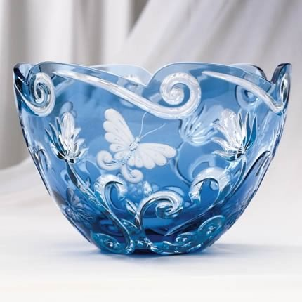 This bowl, OMG. Lenox Cased Crystal Butterfly Bowl. Alas, it's not available anymore. :-( But it's so beautiful I had to pin it. Lenox only made 200 of them, in 2002, and sold it for $850.