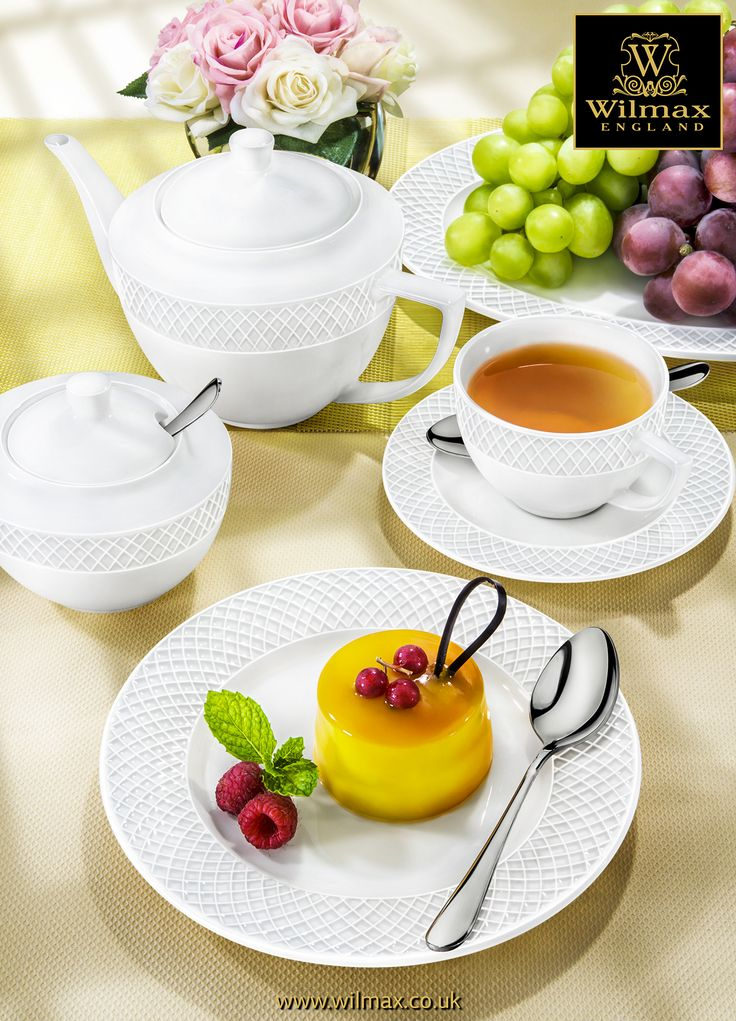 TABLE SETTING WITH WILMAX Dessert Serving