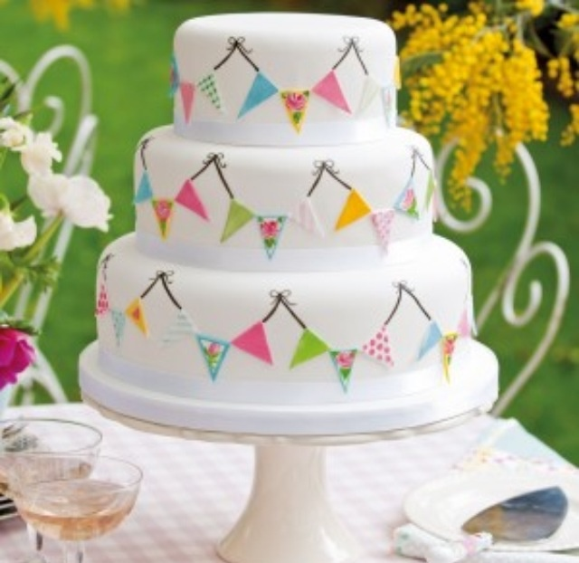 Bunting cake but one layer