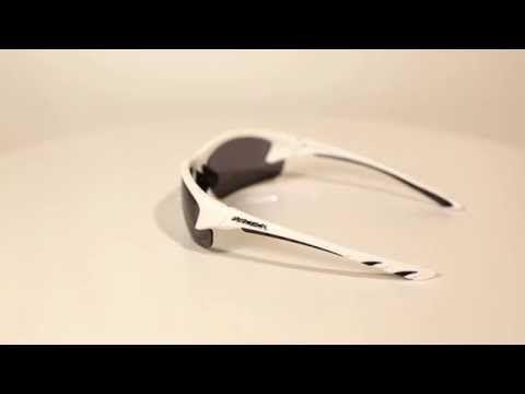 Arctica S-168 B sport napszemüveg. Cserélhető lencsés polarizált sport napszemüveg UV400 védelemmel 2 év garanciával. Rendelj még ma!Az Arctica napszemüveg lencséi polikarbonátból készültek. Könnyűek, vékonyak, tartósak és ütésállóak.  OLVASS TOVÁBB!