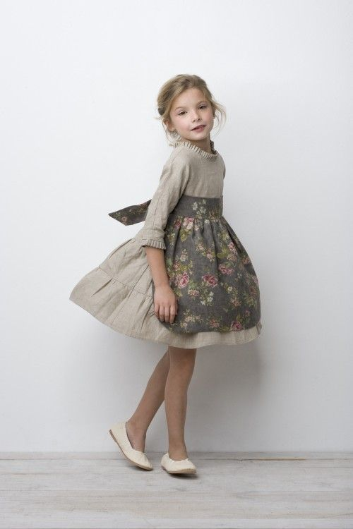 Taupe linen floral apron - Sainte Claire