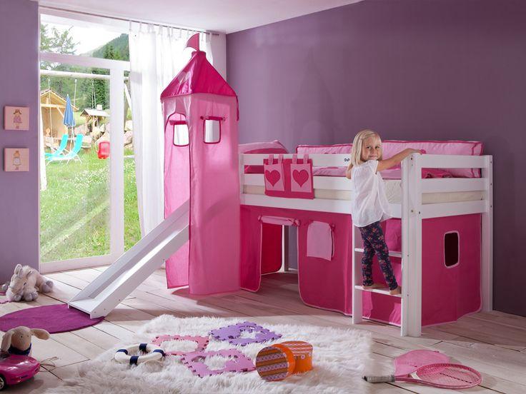 Różowe łóżko piętrowe