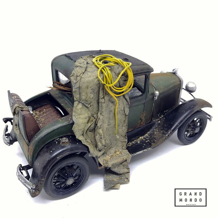 Abandoned 1930 Ford Model A, MONOGRAM 1/24 scale. Working in progress. By Raphael Truffi Bortholuzzi. Official Grandmondo Miniatures. #grandmondo #handmade #diorama #mini #miniature #diorama #vignette #model_cars #scale_model
