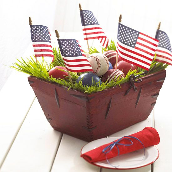 DIY: 4th of July Decorations - All-American Baseball Centerpiece ♥