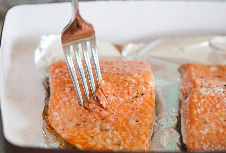 Basit, zahmetsiz, hızlı bir balık yemeği istiyorsanız almanız gereken somon balığıdır. Pratik, lezzetli aynı zamanda sağlıklı bir fırında somon balığı tarifi için buyrun...
