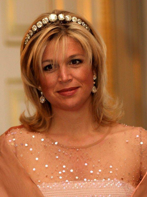 Queen Máxima of the NETHERLANDS in her diamond bandeau. What beautiful huge diamonds!