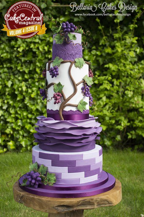 EDITOR'S CHOICE (8/26/2013) Vineyard wedding cake by Bellaria Cakes Design by Riany Clement View details here: cakesdecor.com/...