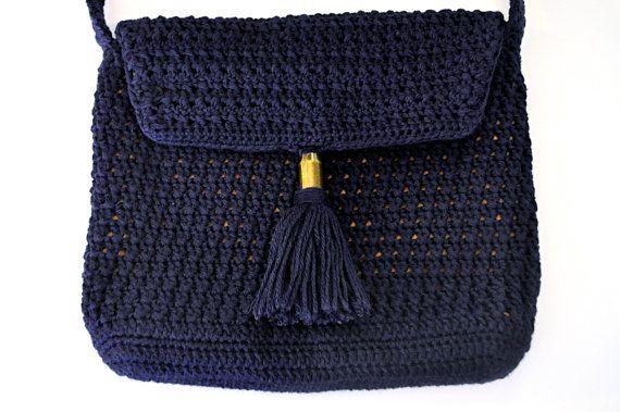 Belle of the ball/ hand made crochet crossbody por CrochetbyBettyJo