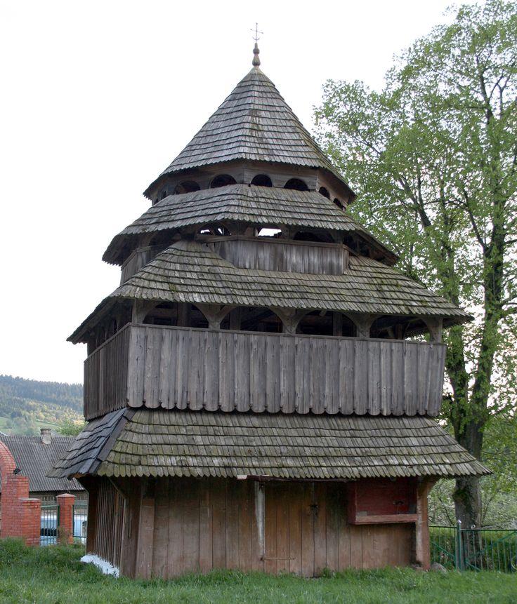 Дзвіниця Михайлівської церкви у с. Ісаї на Львівщині