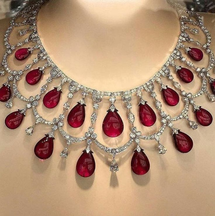 Van Cleef & Arpels necklace with #rubies and #diamonds ❤ Photo by @swrupp #cannes